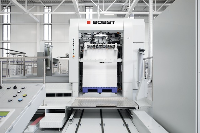 Bobst EXPERTCUT 106 PER Blank Separating Die Cutter Shows Revolutionary Evolution